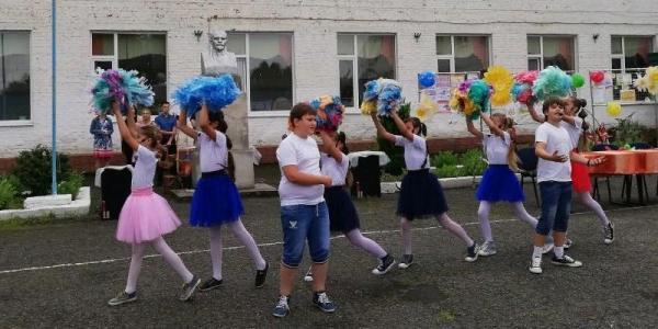 Артисты Лабинского культурного центра организовывают мероприятия для детей